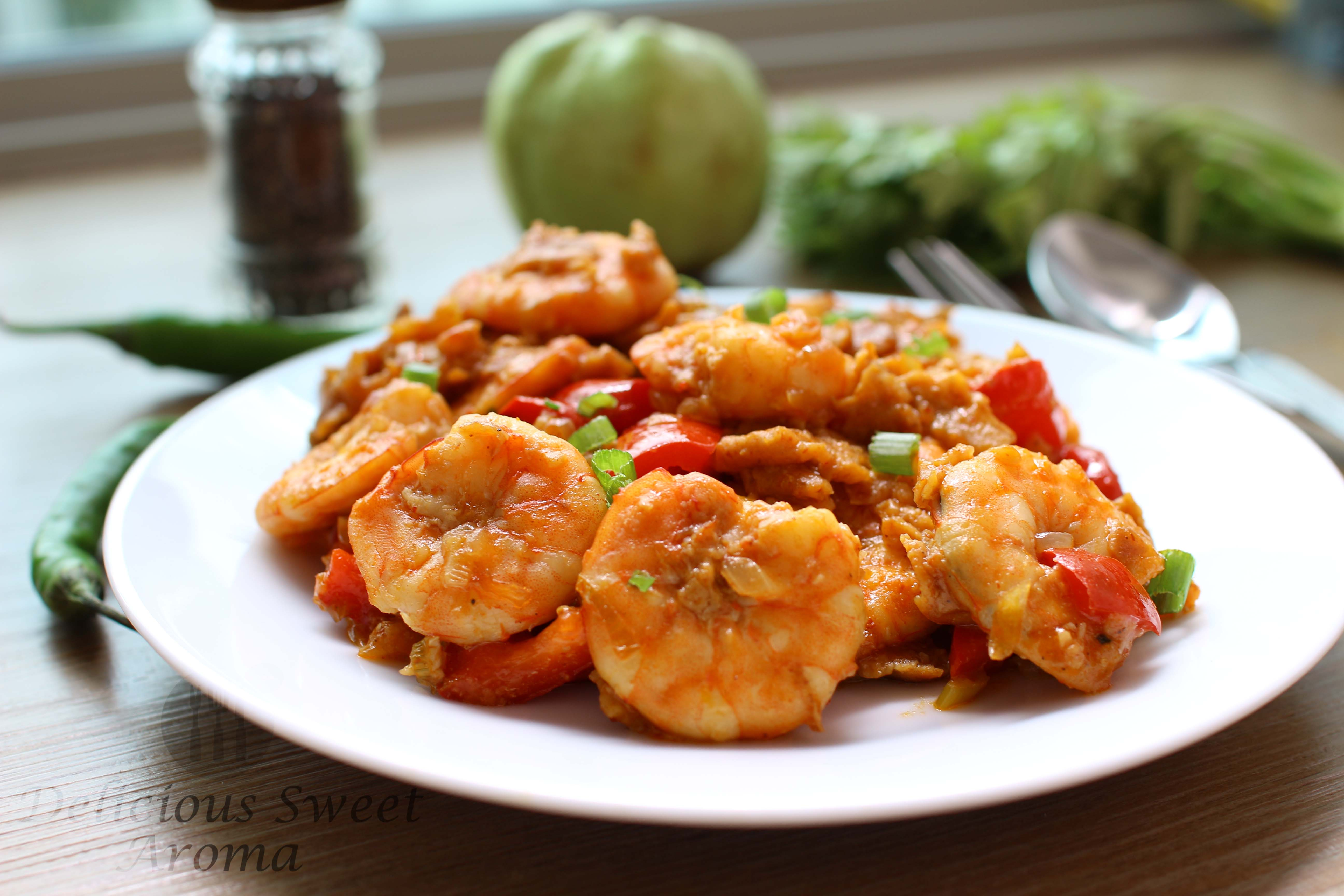 Sweet Chilli Prawn Recipe | Chinese stir-fry | by Delicious Sweet aroma